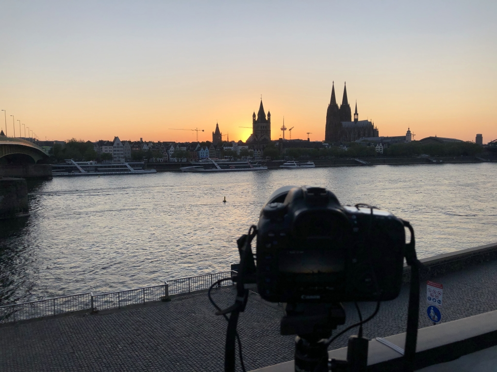 Making of ... Sonnenuntergang in Köln am 25.04.2020 (iPhone-Bild)