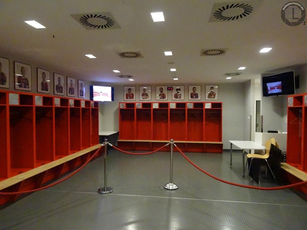 Umkleidekabine des FC Bayern München in der Allianz Arena 2015