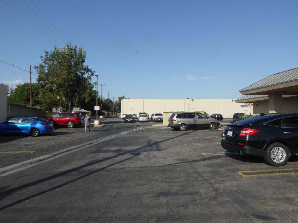 Burger King (Anschrift: 535 N Victory Blvd, Burbank, CA 91502)