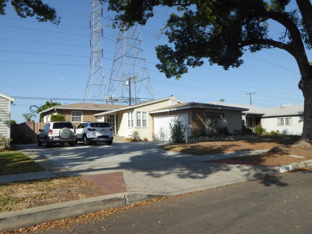 Haus der Familie McFly (Anschrift: 9303 Roslyndale Ave, Arleta, CA 91331)