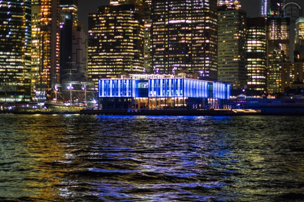 New York City 2019: Pier 17 vom Brooklyn Bridge Park aus