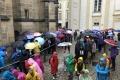 Warteschlange vor'm Veitsdom in Prag (iPhone-Bild)