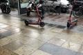 So kann man einen E-Scooter auch mal abstellen (in Berlin im Juli 2021)!