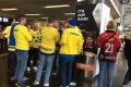 schwedische Fans in der Kölnarena bei der Eishockey-WM 2017