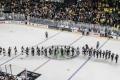Shakehands nach dem Spiel U.S.A. - Deutschland (1:2) bei der Eishockey-WM 2017 in Köln