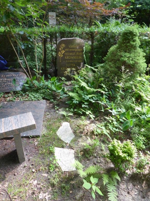 Grab von Helmut Kronsbein auf dem Waldfriedhof Heerstraße in Berlin