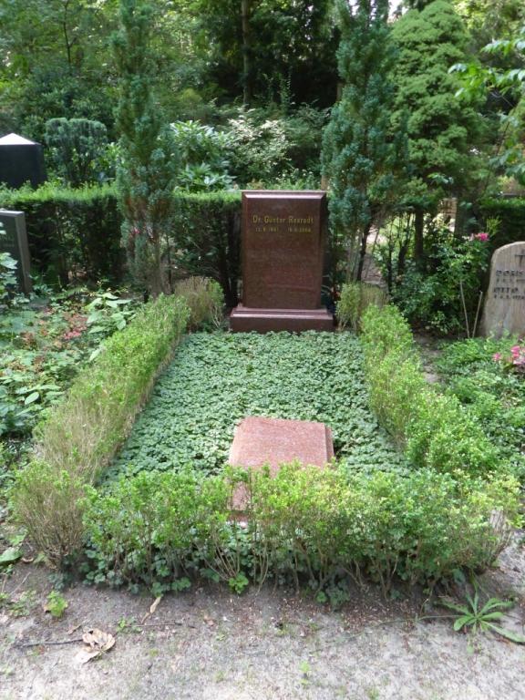 Grab von Günter Rexrodt auf dem Waldfriedhof Heerstraße in Berlin