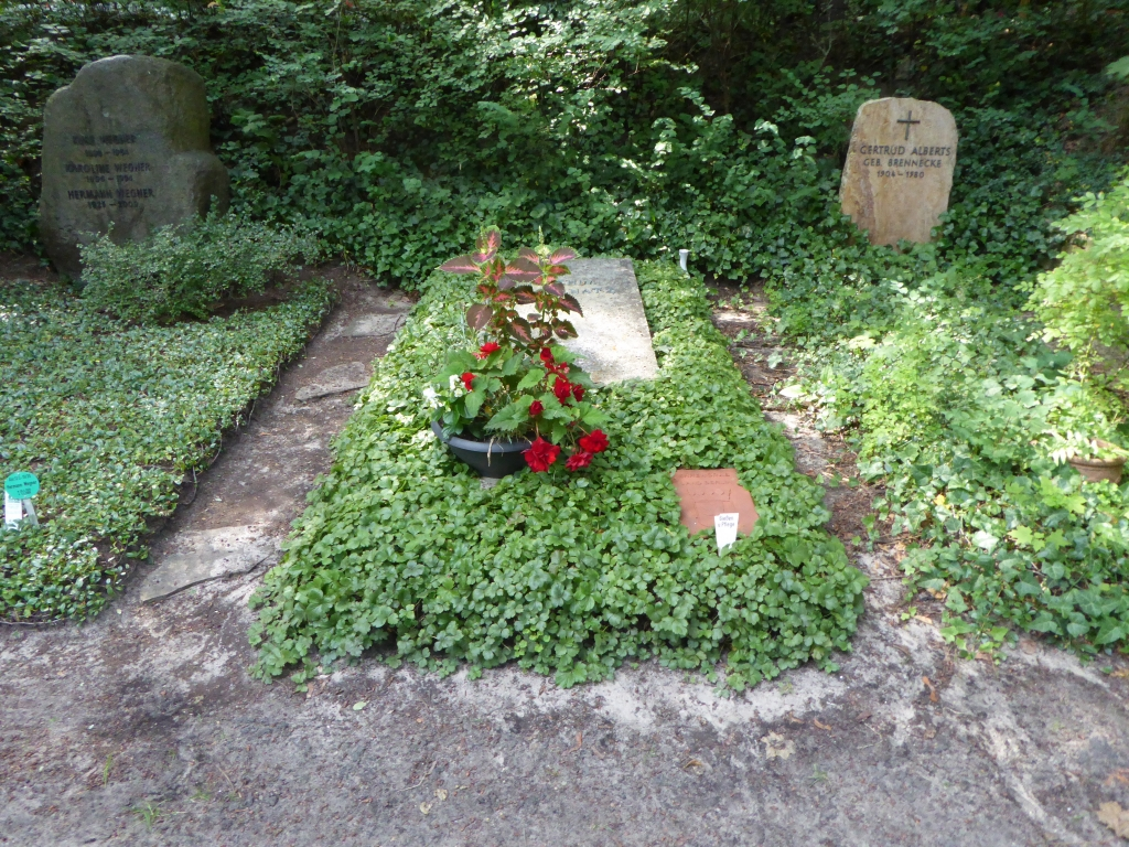 Grab von Joachim Ringelnatz auf dem Waldfriedhof Heerstraße in Berlin