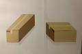 im Museum der Illusionen in Berlin (iPhone-Bild): Beide Deckel sind gleich groß!